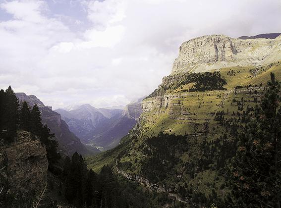 Panorámica del valle de Ordesa (Huesca), una de las zonas de montaña incluidas en la Red Natura 2000. (foto: José Fouz y Elena Guerrero).