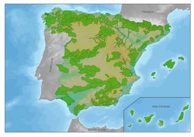 Mapa de España con la localización de las Zonas Importantes para los Mamíferos (ZIM), en color verde.