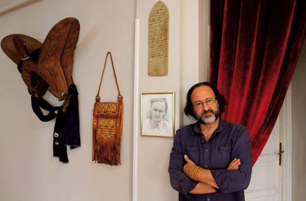 Luis Miguel Domínguez, uno de los fundadores del Gabinete de Historia Natural, en el local madrileño que alberga este proyecto (foto: GHN).