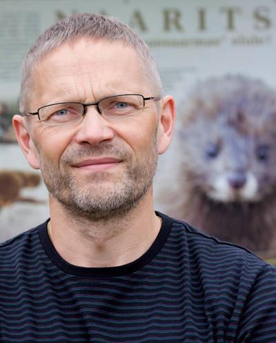 Retrato del estonio Tiit Maran, experto de referencia en el visón europeo (foto: Rein Maran).
