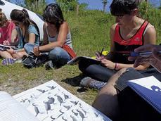 Alumnas de un curso para formar a gu�as de ecoturismo, impartido por la escuela 'al-Natural', colaboradora de Quercus.