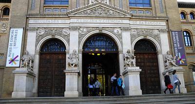 Entrada al Museo de Ciencias Naturales de la Universidad de Zaragoza (foto: Eduardo Vi�uales).