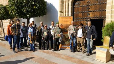 Asistentes a las jornadas sobre el alzacola rojizo celebradas en Villa del Río (Córdoba). Foto: Harmusch.