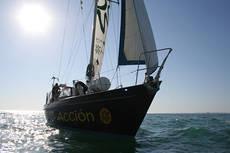 Aspecto del Diosa Maat, el velero de Ecologistas en Acción.