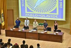 Componentes de la mesa en la ceremonia de fin de carrera de la promoción 2013-2017 de Ciencias Ambientales. De izquierda a derecha: Manuel Díaz, Rafael Serra, Antonio Gallardo, David Gallego e Inmaculada Expósito (Foto Éxito).