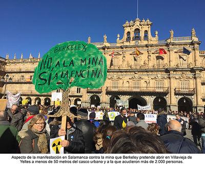 Más de dos mil personas acudieron a la manifestación celebrada en Salamanca el pasado 26 de noviembre contra la mina de uranio que se pretende construir en el oeste salmantino (foto: Victorino García Calderón).