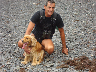 José Luis González Hompanera se toma un descanso durante un censo de hubaras en Canarias en 2012.