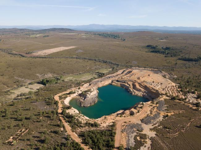 Mina de pizarra sin restaurar cerca de Boya, en plena Sierra de la Culebra (Zamora). Foto: Tono Alonso.